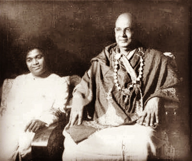 ~ Sai Baba y Swami Sivananda ~